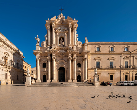 Convent「Syracuse Sicily Italy. The Cathedral of Syracuse in Ortygia Island」:スマホ壁紙(6)