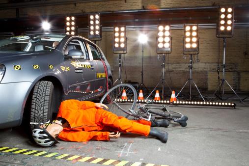 Crash Test Dummy「A crash test dummy on ground after bicycle crashed」:スマホ壁紙(18)