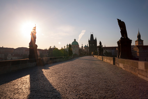 Charles Bridge「Statues Along Charles Bridge at Sunrise, Prague, Czech Republic」:スマホ壁紙(0)