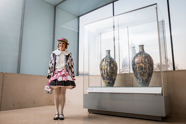 Vase「Brexit Pots By Celebrated British Artist And Potter Grayson Perry Acquired By V&A」:写真・画像(15)[壁紙.com]