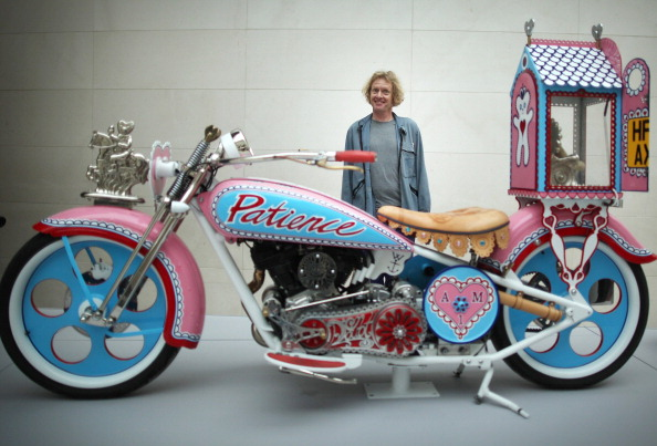 Cultures「Press Preview Of Grayson Perry's The Tomb Of The Unknown Craftsman」:写真・画像(18)[壁紙.com]