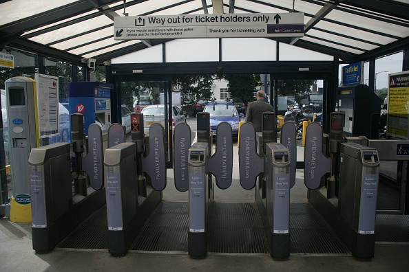 Finance and Economy「Automated ticket barriers at St Albans City station」:写真・画像(18)[壁紙.com]