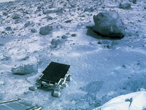 月「unmanned lunar vehicle in motion on the moon」:スマホ壁紙(13)