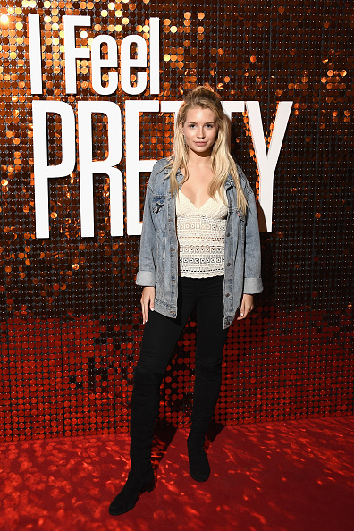 Double Denim「'I Feel Pretty' Special Screening - Red Carpet Arrivals」:写真・画像(17)[壁紙.com]