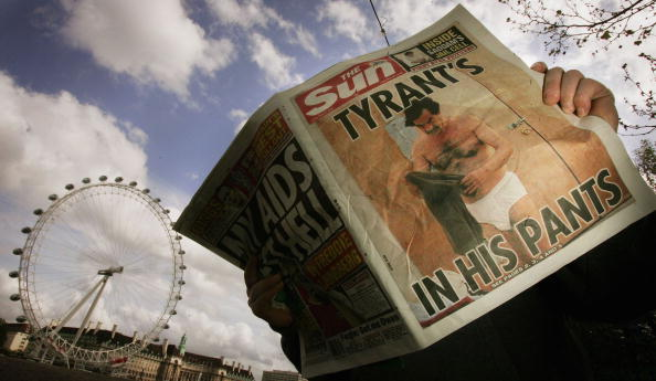 服装「Saddam Hussein Hits The Headlines With Pictures In His Underwear」:写真・画像(2)[壁紙.com]