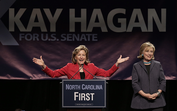 North Carolina - US State「Hillary Clinton Campaigns With Kay Hagan In Charlotte」:写真・画像(18)[壁紙.com]