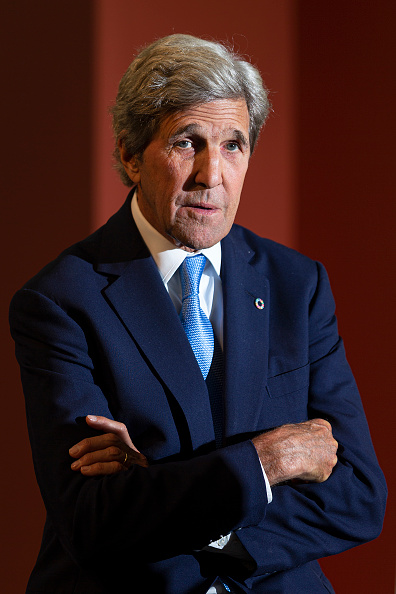 John Kerry「US Secretary Of State John Kerry Attends Global Table Food Innovation Conference」:写真・画像(6)[壁紙.com]