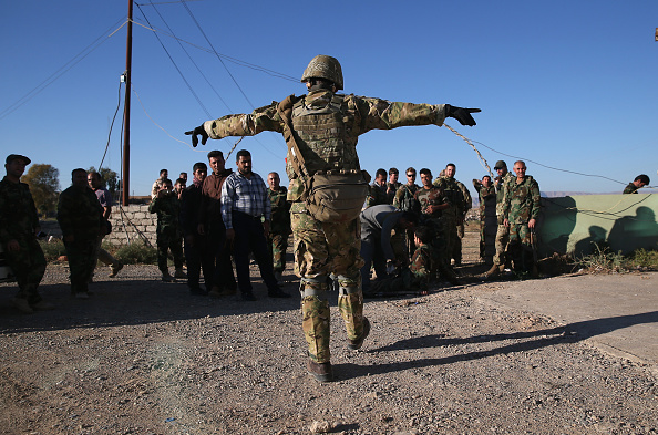 USA「Kurdish Forces Train On Front Lines While Fighting ISIS In Northern Iraq」:写真・画像(8)[壁紙.com]