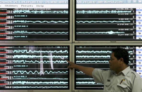 Island「Earthquake Aftershocks Rattle North Sulawesi Province」:写真・画像(5)[壁紙.com]
