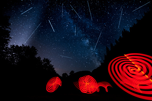 star sky「ペルセウス座流星群は、夜」:スマホ壁紙(7)