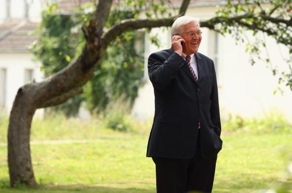 Wireless Technology「Minister Steinmeier Visits Brandenburg」:写真・画像(6)[壁紙.com]