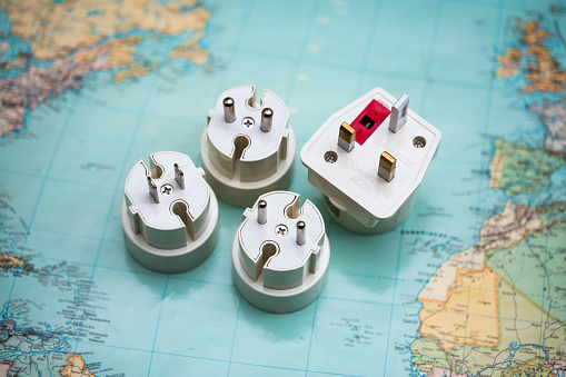 Power Supply「Travel plug adapters on world map」:スマホ壁紙(1)