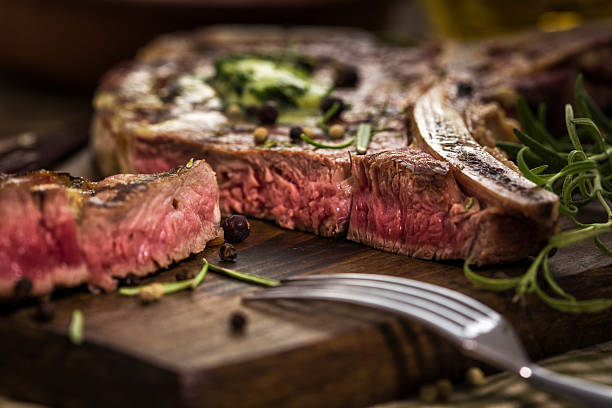 T-Bone Steak:スマホ壁紙(壁紙.com)