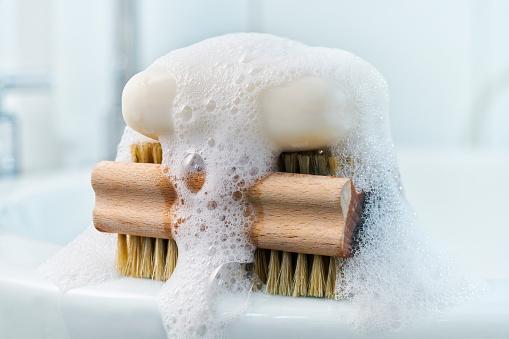 Wet「Soap, foam and brush on bathroom sink」:スマホ壁紙(4)