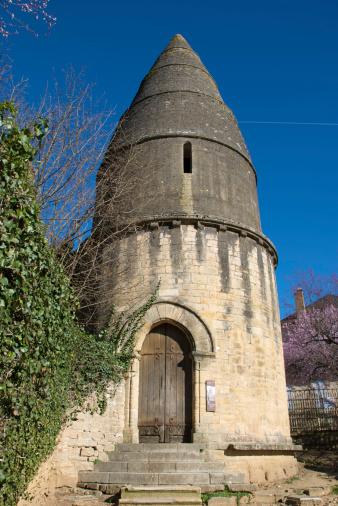 Nouvelle-Aquitaine「St Bernard's Tower, known as La Lanterne des Morts (Lantern of the Dead).」:スマホ壁紙(6)