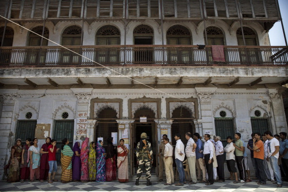 Politics「Varanasi Votes In Final Round Of Indian Elections」:写真・画像(2)[壁紙.com]