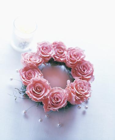 薔薇「Wreath of big pink rose with pearl」:スマホ壁紙(3)