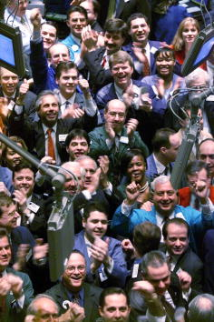 1990-1999「Dow closes over 10,000 points for the first time.」:写真・画像(15)[壁紙.com]