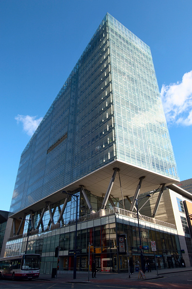 Penthouse「No 1 Deansgate, Manchester The UK's tallest all-steel glass residential building and the first building in Manchester to house a £2m property; this honour goes to the duplex penthouse on the 16th & 17th floors Building contractor: Mace Architect Ian Simp」:写真・画像(15)[壁紙.com]