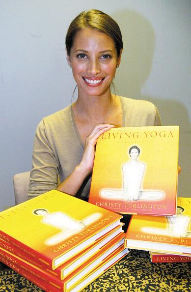 Borders Books「Christy Turlington Book Signing」:写真・画像(6)[壁紙.com]
