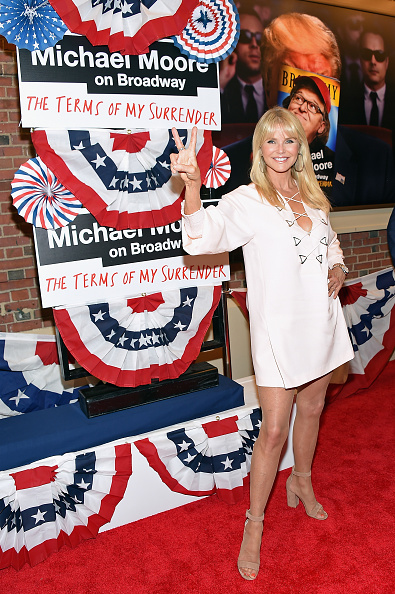 ファッションモデル「Award-Winning Filmmaker Michael Moore Celebrates His Broadway Opening Night In 'The Terms of My Surrender'」:写真・画像(5)[壁紙.com]