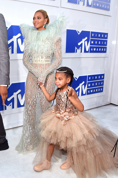 Larry Busacca「2016 MTV Video Music Awards - Red Carpet」:写真・画像(5)[壁紙.com]
