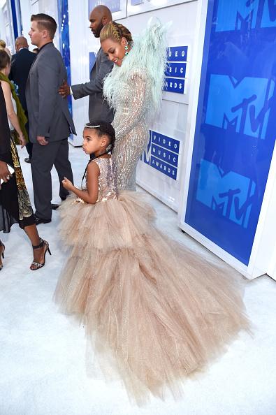 MTVビデオ・ミュージック・アワード「2016 MTV Video Music Awards - Red Carpet」:写真・画像(16)[壁紙.com]