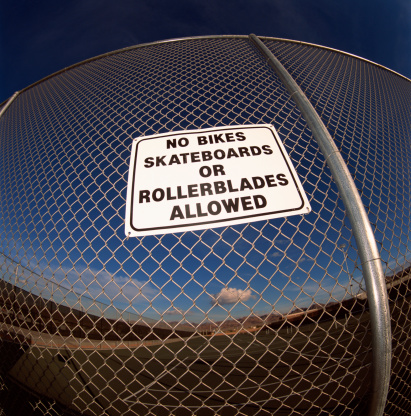 Roller skate「No bikes, skateboarding, or inline skating allowed sign」:スマホ壁紙(18)
