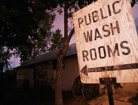 Kelly public「Public Washroom Sign」:スマホ壁紙(1)