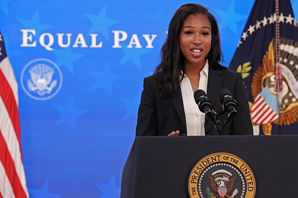 Women's Soccer「President Biden Holds White House Event To Mark Equal Pay Day」:写真・画像(15)[壁紙.com]