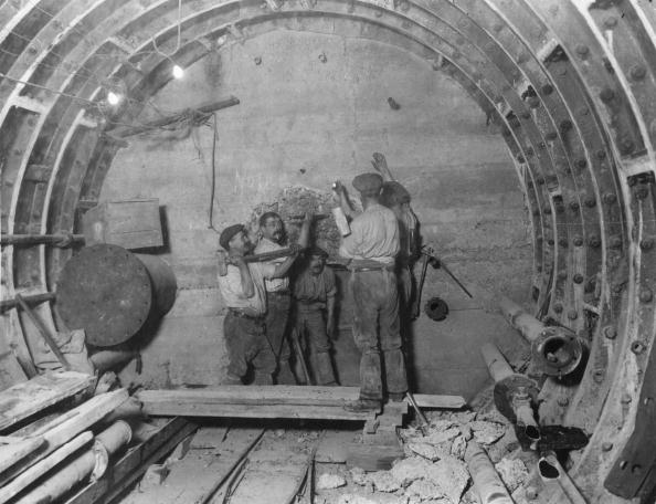 Construction Industry「Tunnel Builders」:写真・画像(17)[壁紙.com]