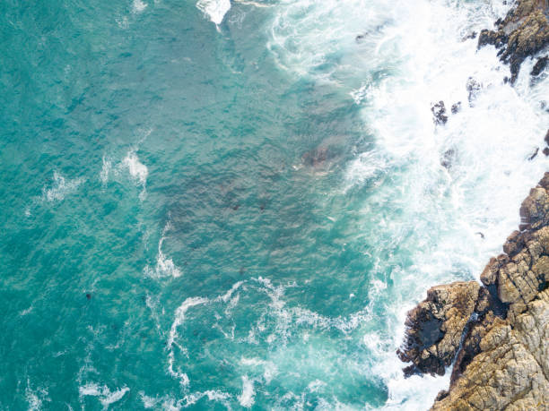 Deep blue Indian Ocean:スマホ壁紙(壁紙.com)
