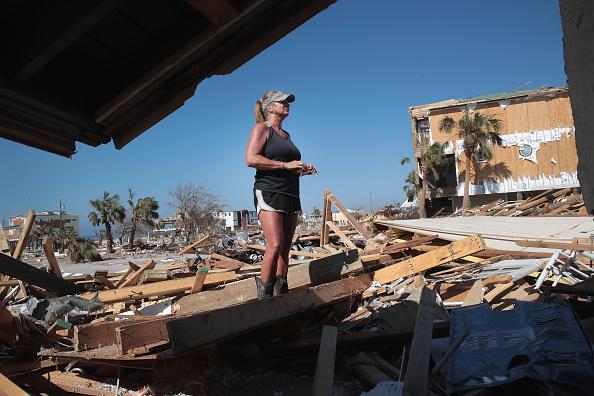 Scott Olson「Recovery Efforts Continue In Hurricane-Ravaged Florida Panhandle」:写真・画像(14)[壁紙.com]