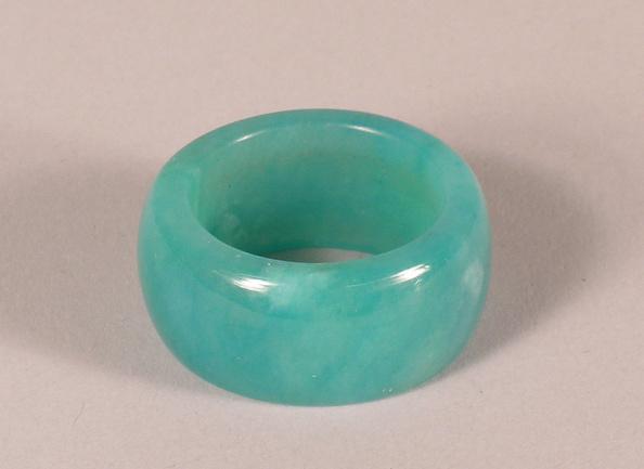 USC Pacific Asia Museum「Mottled bluish green Jade stone ring.」:写真・画像(8)[壁紙.com]