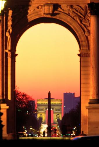 Arc de Triomphe - Paris「France, Paris, Champs Elysees, Arcs du Triomphe and Carrousel, night」:スマホ壁紙(14)
