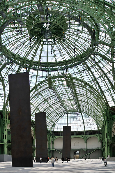 Glass - Material「France, Paris, Grand Palais, Architect Charles-Louis Girault」:写真・画像(12)[壁紙.com]