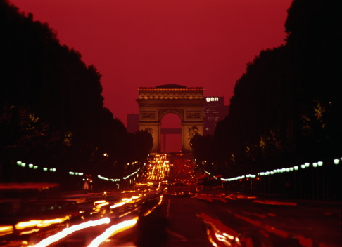 Arc de Triomphe - Paris「France, Paris, L'Arc de Triomphe at dusk」:スマホ壁紙(19)