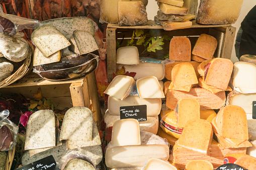 Market Stall「France, Paris, presentation of cheese shop」:スマホ壁紙(5)