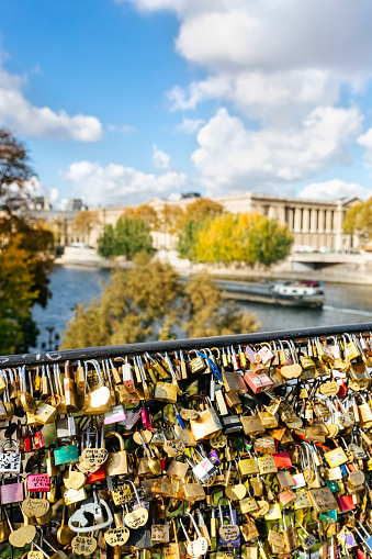 Love fortune「France, Paris, love locks at railing of a bridge over Seine River」:スマホ壁紙(6)