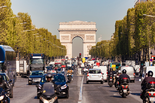 Arc de Triomphe - Paris「France, Paris, Champs-Elysees, Arc de Triomphe de l?Etoile, traffic」:スマホ壁紙(16)
