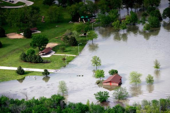 Kansas「Heavy Rains Bring Flooding To Midwest」:写真・画像(8)[壁紙.com]