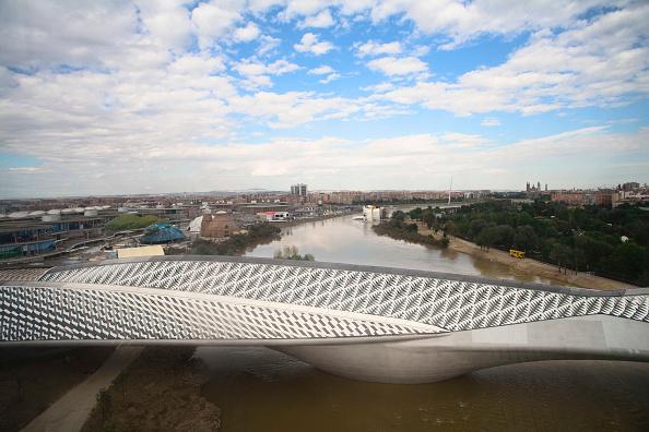 City Life「Pabellon-Puente / Pavillion Bruecke / Pavilion Bridge」:写真・画像(5)[壁紙.com]