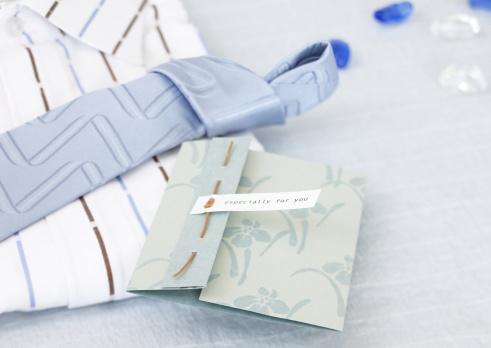 父の日「Present and card for Father's Day」:スマホ壁紙(7)