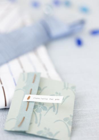 父の日「Present and card for Father's Day」:スマホ壁紙(8)