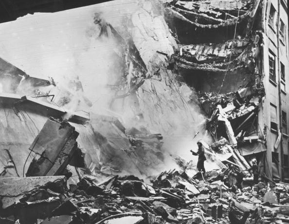 Military Invasion「Wrecked Building」:写真・画像(6)[壁紙.com]