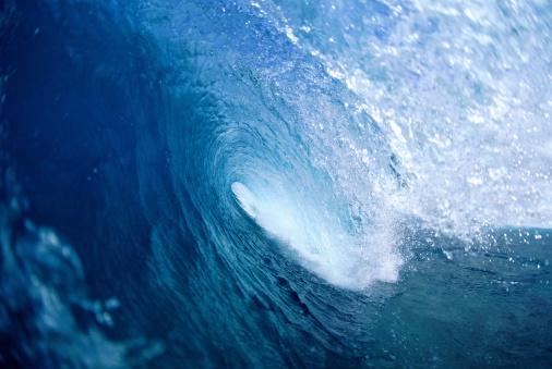オアフ島「Breaking wave, close-up (Digital Enhancement)」:スマホ壁紙(1)
