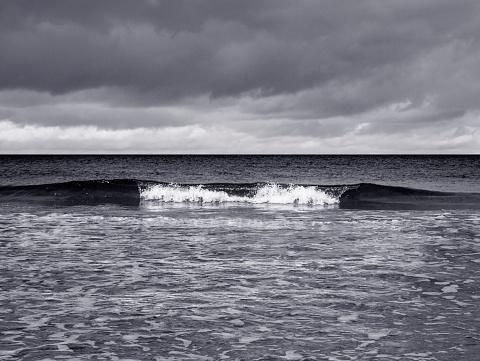 波「Breaking Wave」:スマホ壁紙(19)