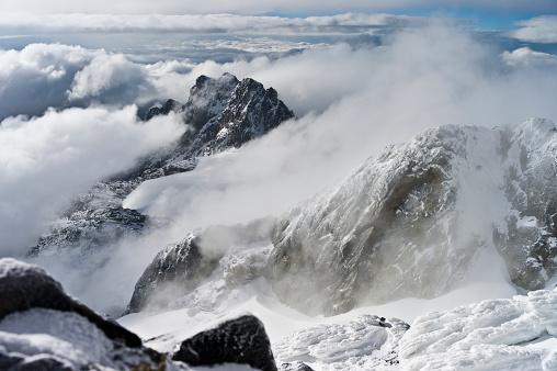 クライミング「View from Margherita Peak, Mount Stanley, Kilembe Route, Rwenzori National Park, Kasese District, Uganda」:スマホ壁紙(19)