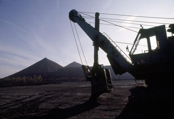 Earth Mover「Uranium Waste Tip」:写真・画像(16)[壁紙.com]
