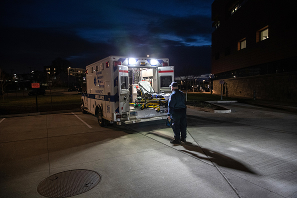 Stamford - Connecticut「Tri-State EMS Workers Confront Growing Number Of Coronavirus Cases」:写真・画像(6)[壁紙.com]